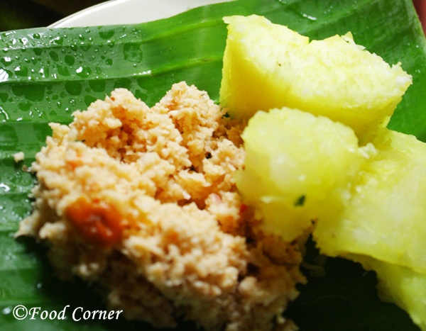 Boiled-Tapioca-with-Sri-Lankan-Chili-Pepper-Sambol