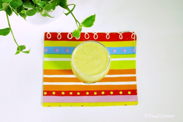 Healthy snack-Mango and Banana Smoothie