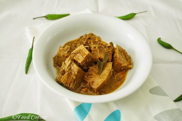 Polos Curry with Grated Coconut(baby jackfruit)