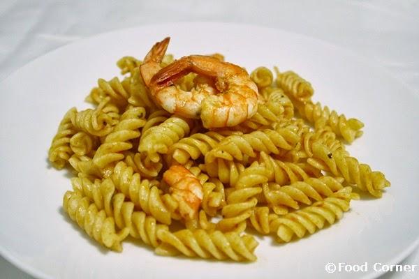Easy Pasta recipe with prawns