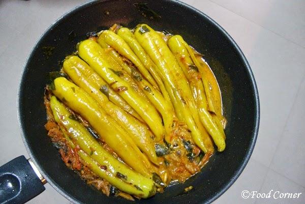 Spicy banana pepper stir fry malu miris curry food corner malu miris curry forumfinder Images