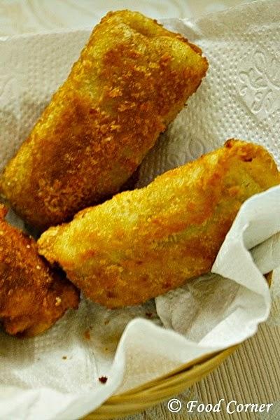 Sri Lankan Chinese Rolls-a short eat