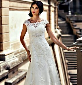 Exquisite Sheath/Column Bateau Sleeveless Beading Buttons Lace Sashes/Ribbons Chapel Train Lace Satin Tulle Wedding dress