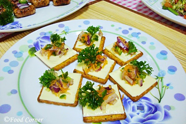 Cheesy Crackers Appetizer