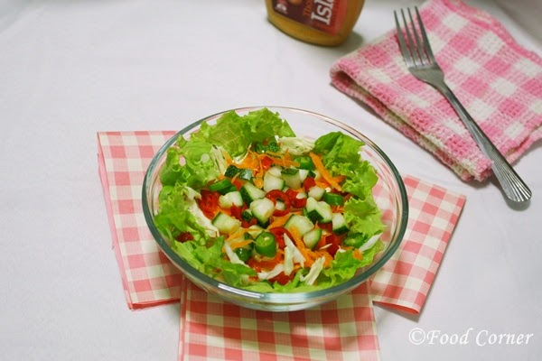Healthy Lettuce Salad With Thousand Island Dressing Food Corner