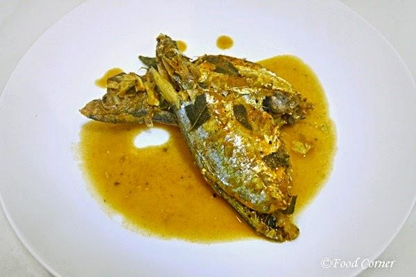 Sri Lankan Style Small Fish Curry