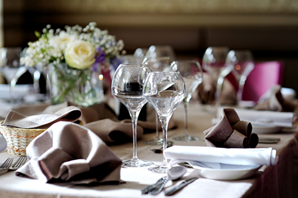 Simple Decorating Tips for Your Next Dinner Party
