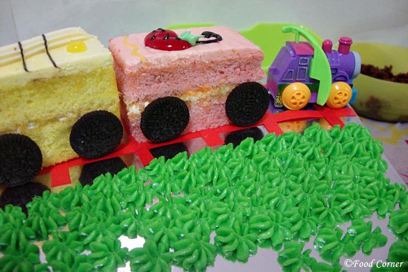 Easy train Birthday cake