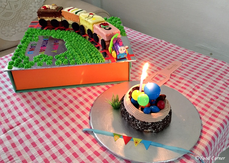 Easy-no-bake-Train-Birthday-cake-tutorial