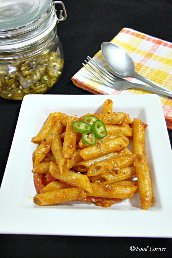 Pasta in Bell Pepper and Tomato Sauce