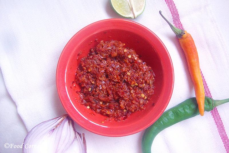 Katta Sambola (Sri Lankan Chili Paste)