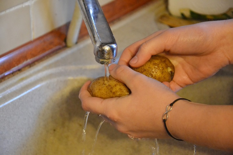How to Save Water in Your Kitchen