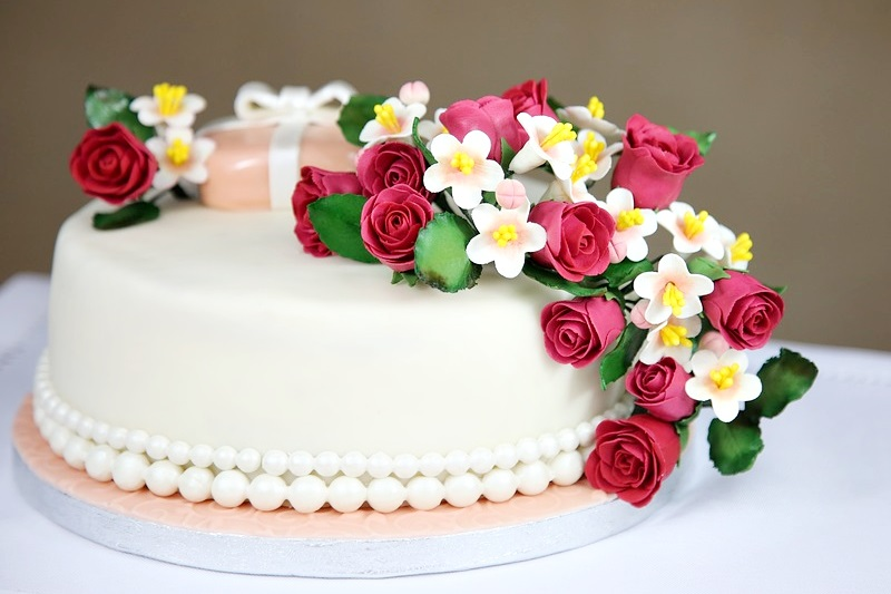 Best combo of cakes and flowers