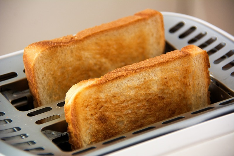 Benefits to Investing in a Larger Toaster