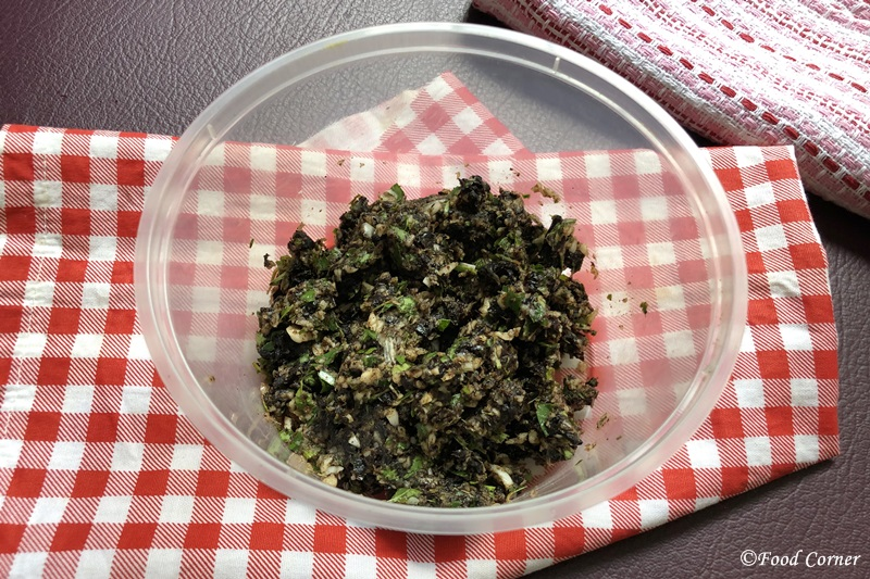 Garlic, Curry Leaves and Goraka Paste