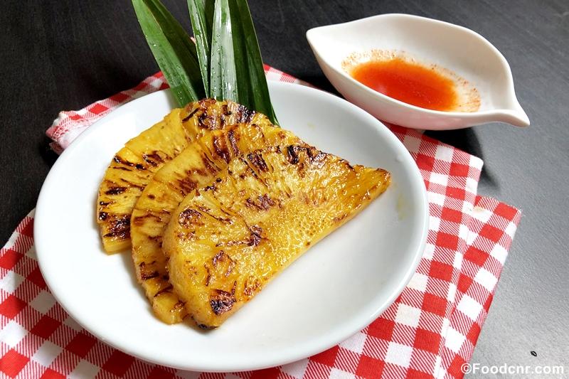 Brown Sugar and Cinnamon Grilled Pineapples