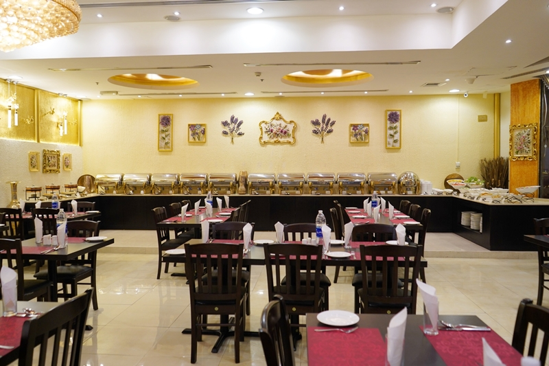 Must-Try Traditional Food in Dubai