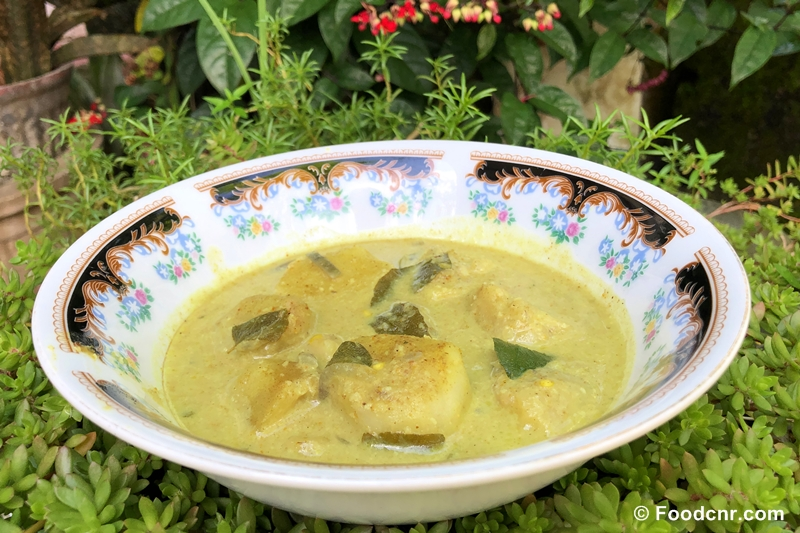 Taro roots curry