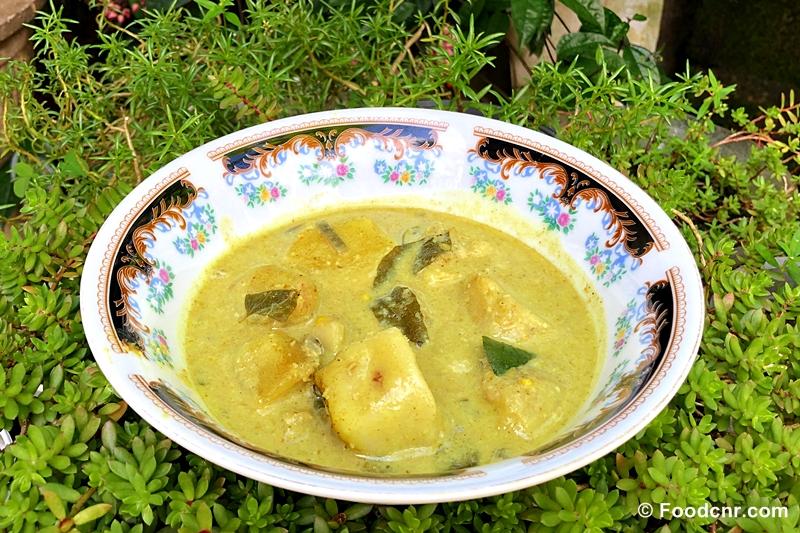 Sri Lankan Kiri Ala Curry